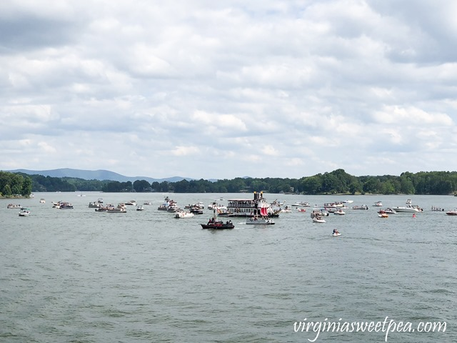 Pirate Days at Smith Mountain Lake - Water Battle at Hales Ford Bridge #smithmountainlake #sml #piratedays #smlpiratedays