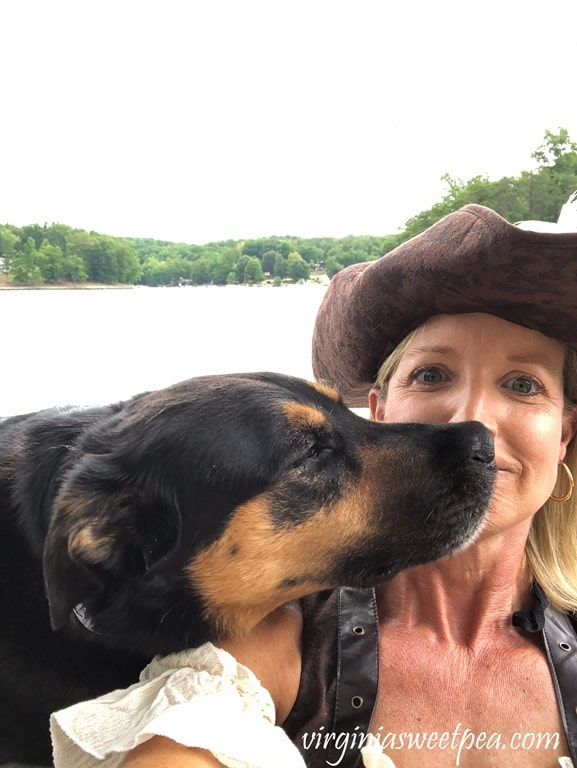 Sherman Skulina Kisses his Mama during SML Pirate Days #smithmountainlake #sml #piratedays #smlpiratedays #shermanskulina