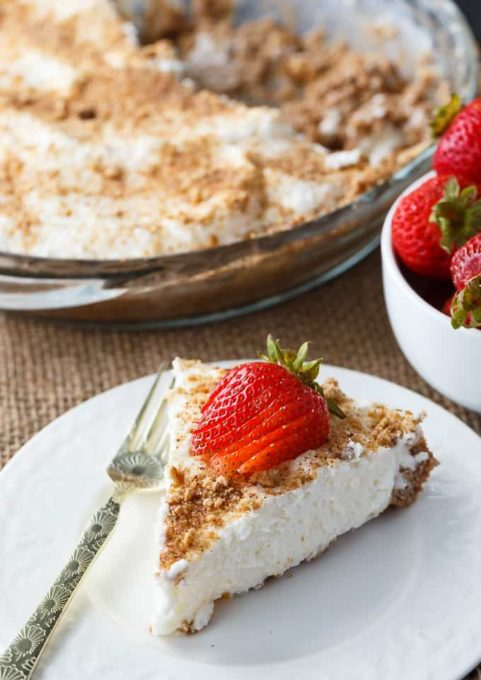 Marshmallow Pie Recipe - Best of the Weekend Feature for August 24, 2018