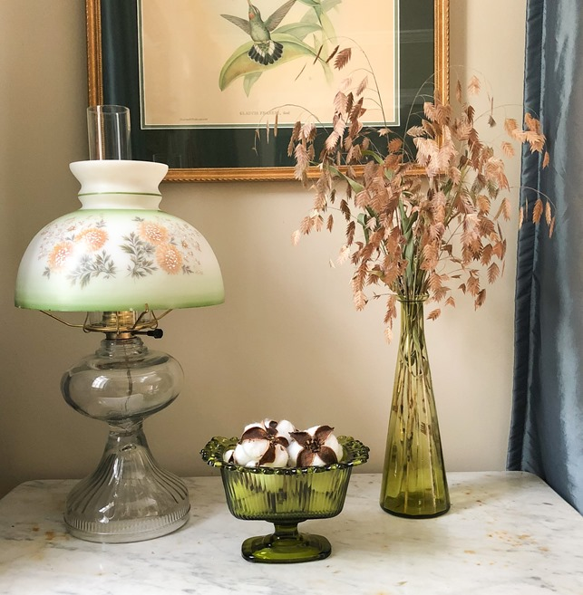 Fall Vignette with Vintage Green Glass, Cotton Bolls and River Oats #vintage #vintagedecor