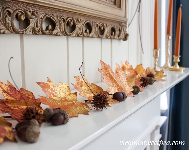 Fall Mantel - Get ideas for decorating your mantel for fall. #fall #falldecor #fallmantel #vintagedecor