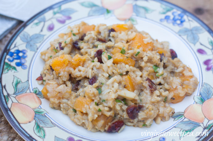 Butternut Squash Rice Pilaf - A delicious side dish that can be made vegetarian by using vegetable broth in place of chicken broth. #thanksgiving #thanksgivingfood #thanksgivingrecipe