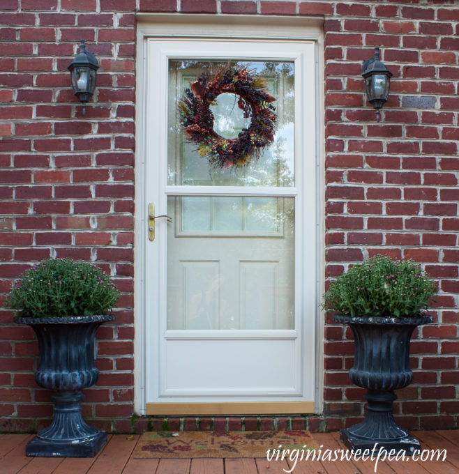 Fall Door #fall #falldeck #falldecor #falloutdoors