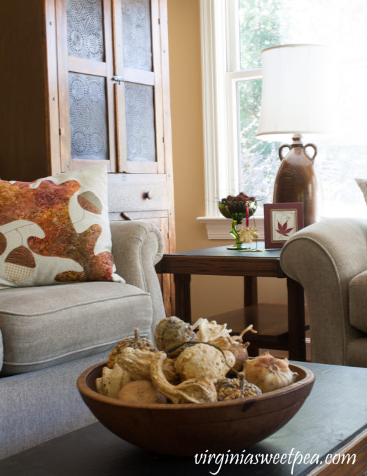 Vintage Fall Decor in the Family Room - A family room decorated for fall using vintage.