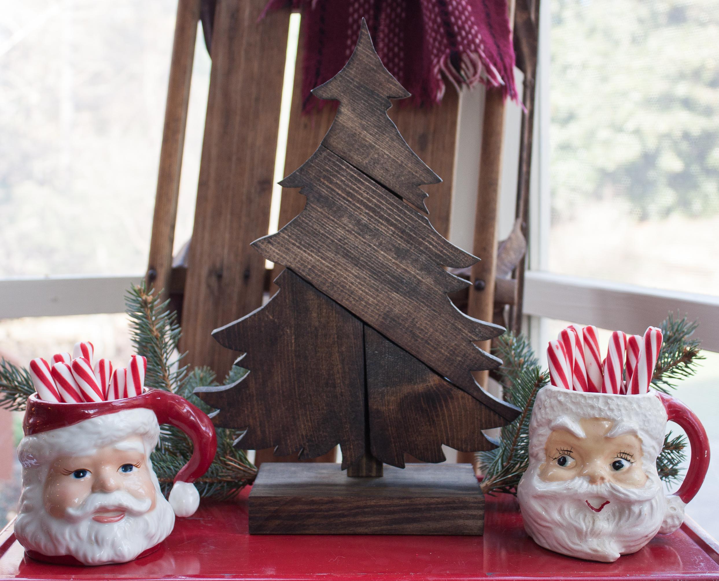 DIY Patchwork Wood Christmas Tree - Sweet Pea