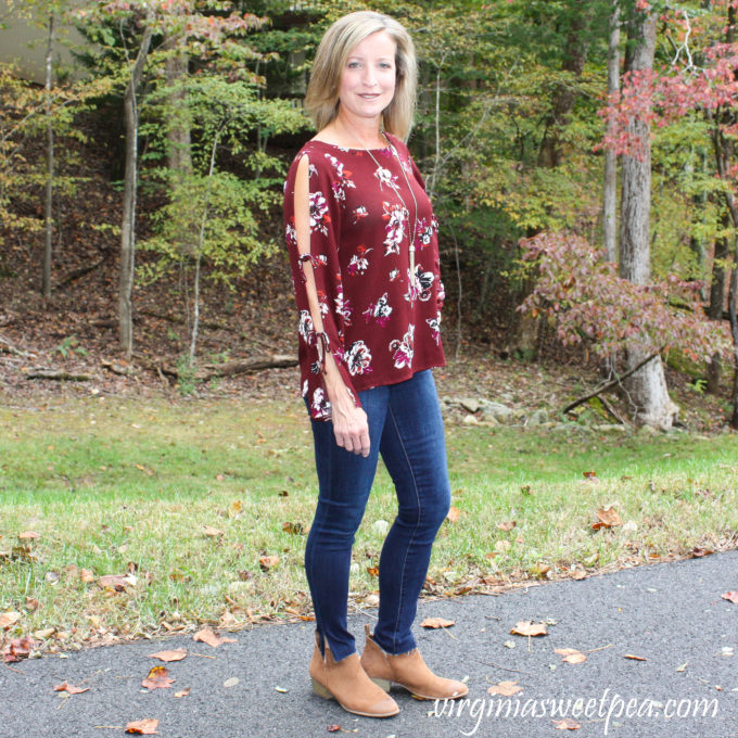 Stitch Fix Review for November 2018 - Kaileigh Rosella Cold Shoulder Top with Sam Edelman the Kitten Mid Rise Ankle Scissor Hem Skinny Jean #stitchfix #stitchfixreview #fallfashion #fashion #fashionover40