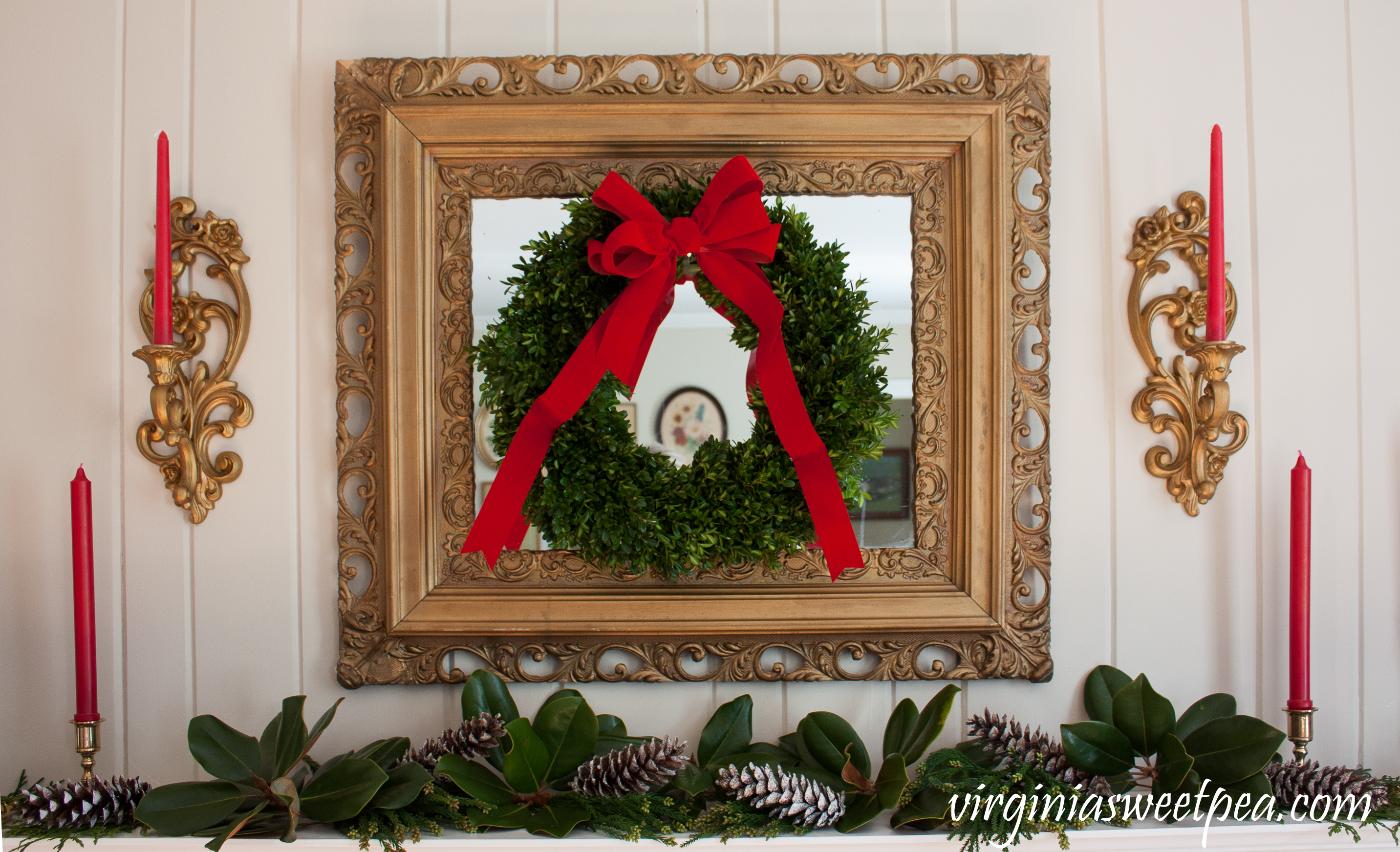 Traditional Southern Christmas Mantel - A mantel decorated for Christmas in traditional southern style. #christmas #christmashomedecor #christmasmantel #christmasideas #favoritechristmasideas