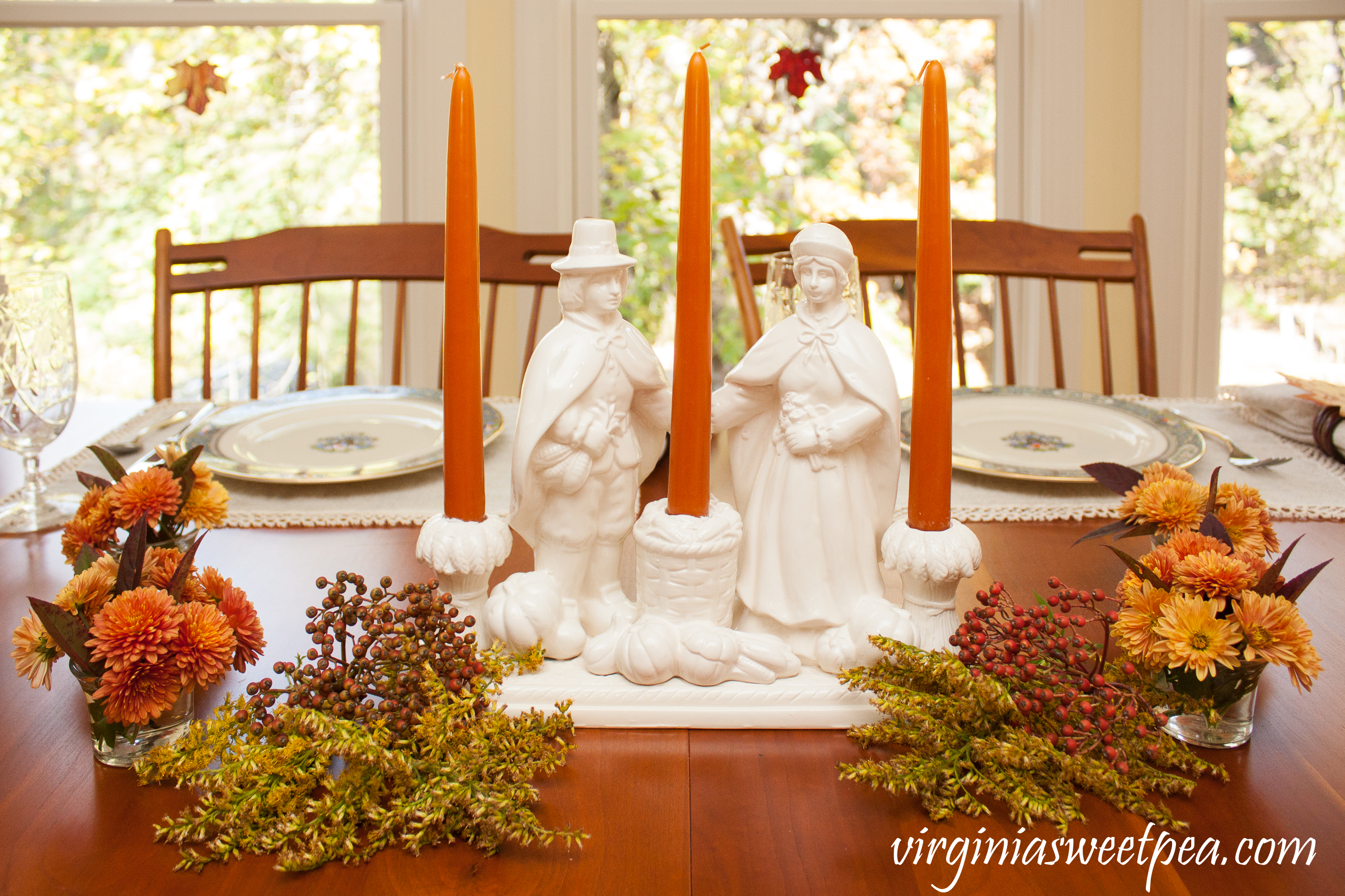 We Gather Together Thanksgiving Table - Get ideas for setting your table for Thanksgiving from 20+ bloggers. #thanksgivingcenterpiece #thanksgiving #vintagepilgrims #thanksgivingtablescape