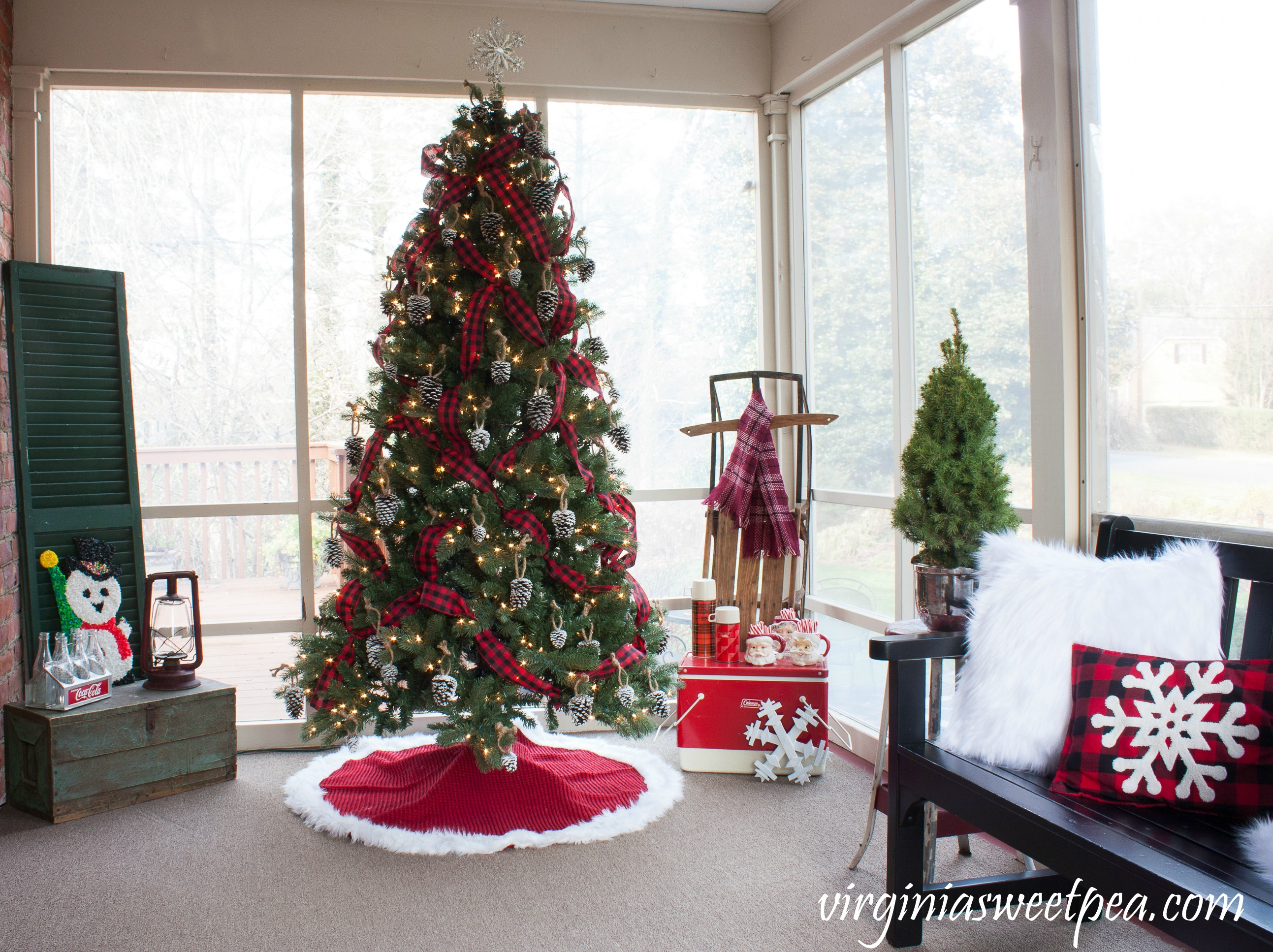 See A Porch Decorated For Christmas Using Mostly Vintage Decor And Get Ideas Decorating Your