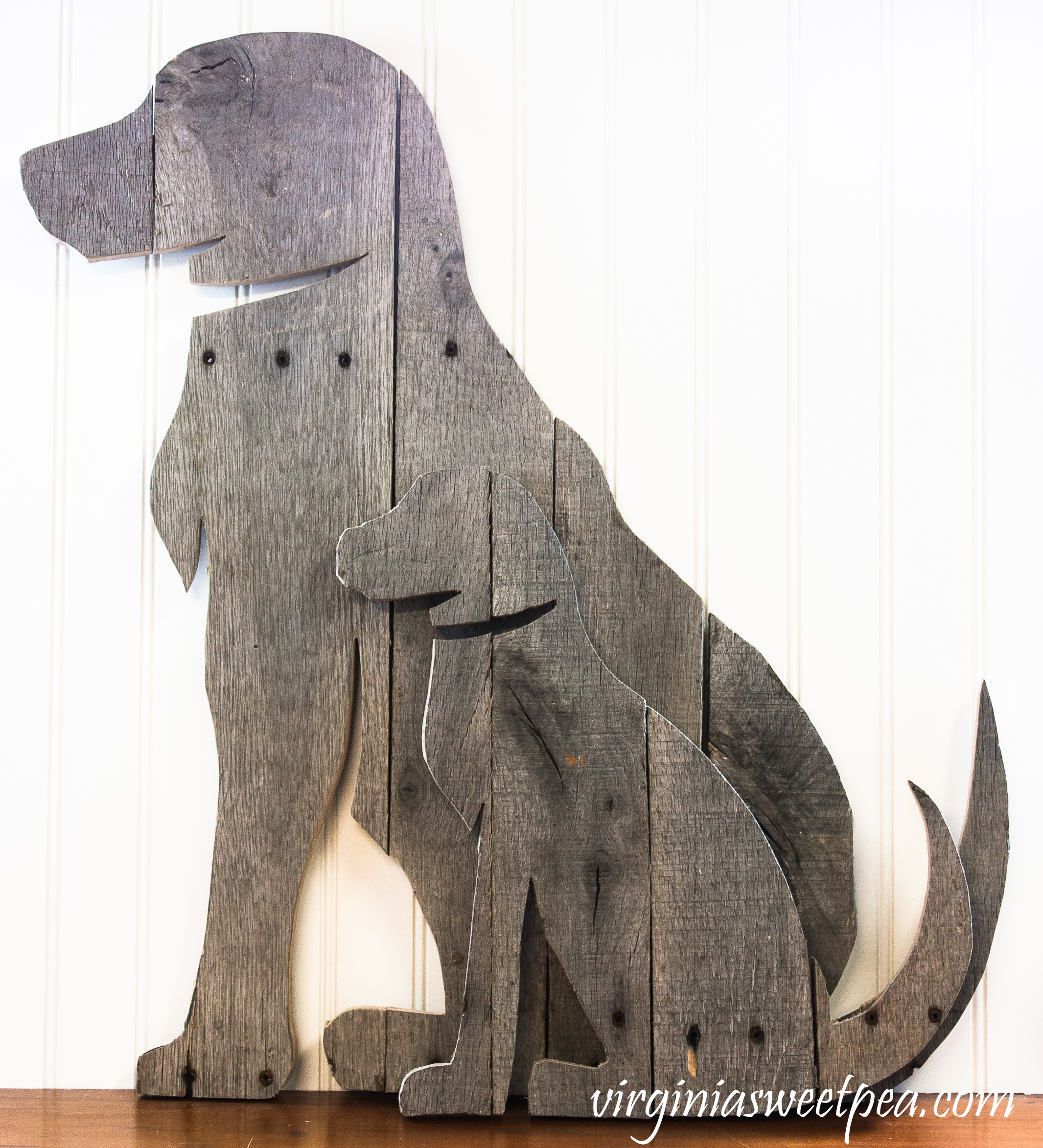 How to Make a DIY Pallet Wood Dog - Follow these step-by-step directions to make a pallet wood dog for your home or as a gift.