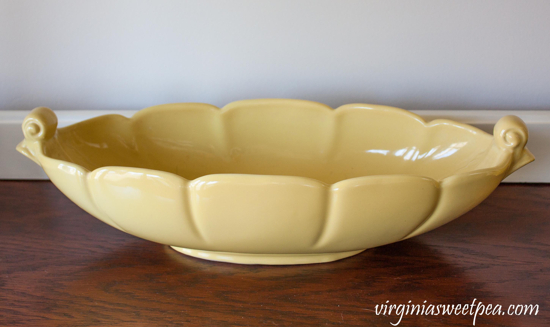Vintage Abingdon USA Fern Leaf Console Bowl #abingdonusa #abingdonusapottery #vintageconsolebowl