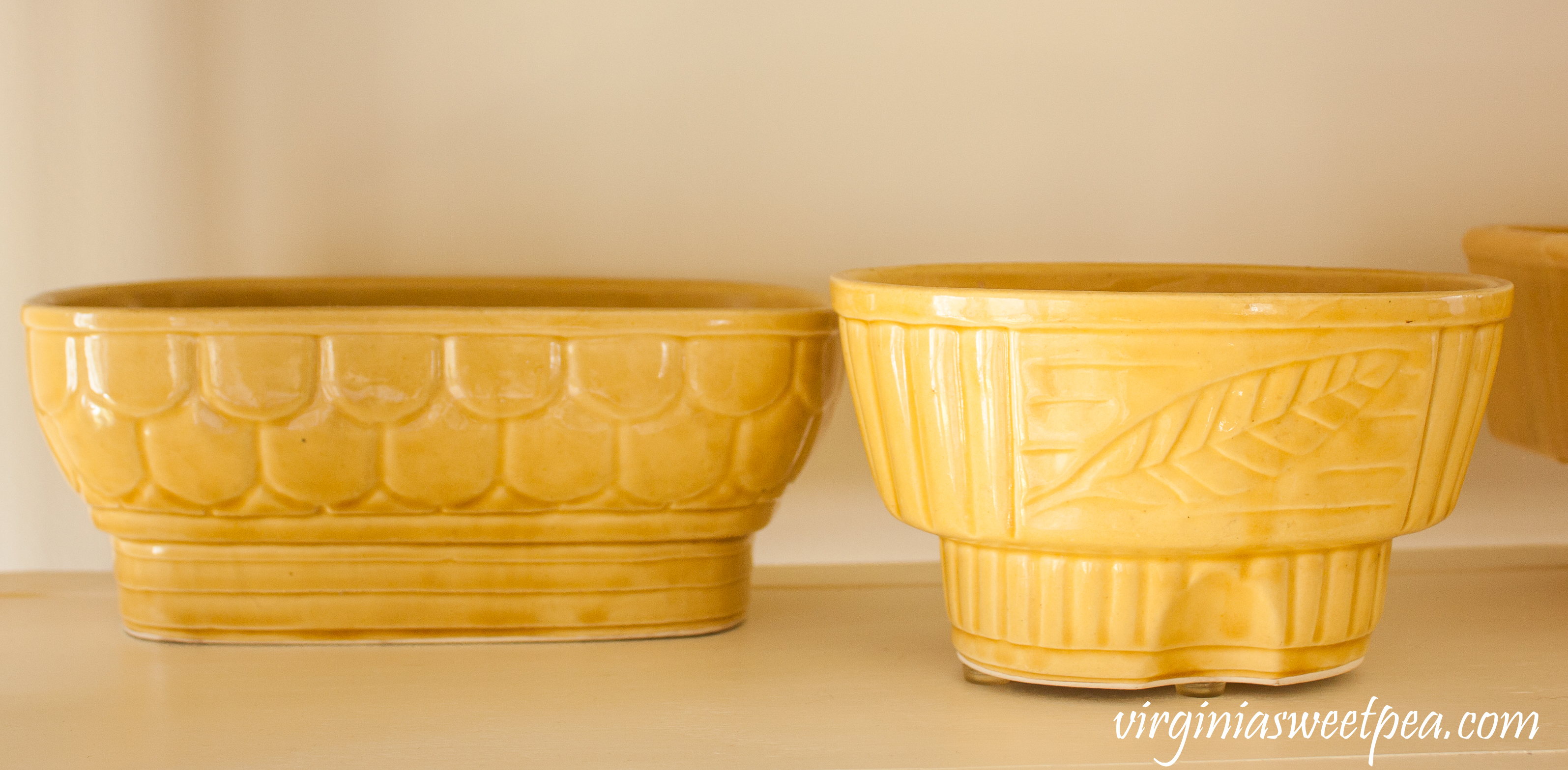Vintage Cookson Yellow Pottery #vintagepottery #vintageflowerplanter #vintageplanters #cooksonpottery #cookson