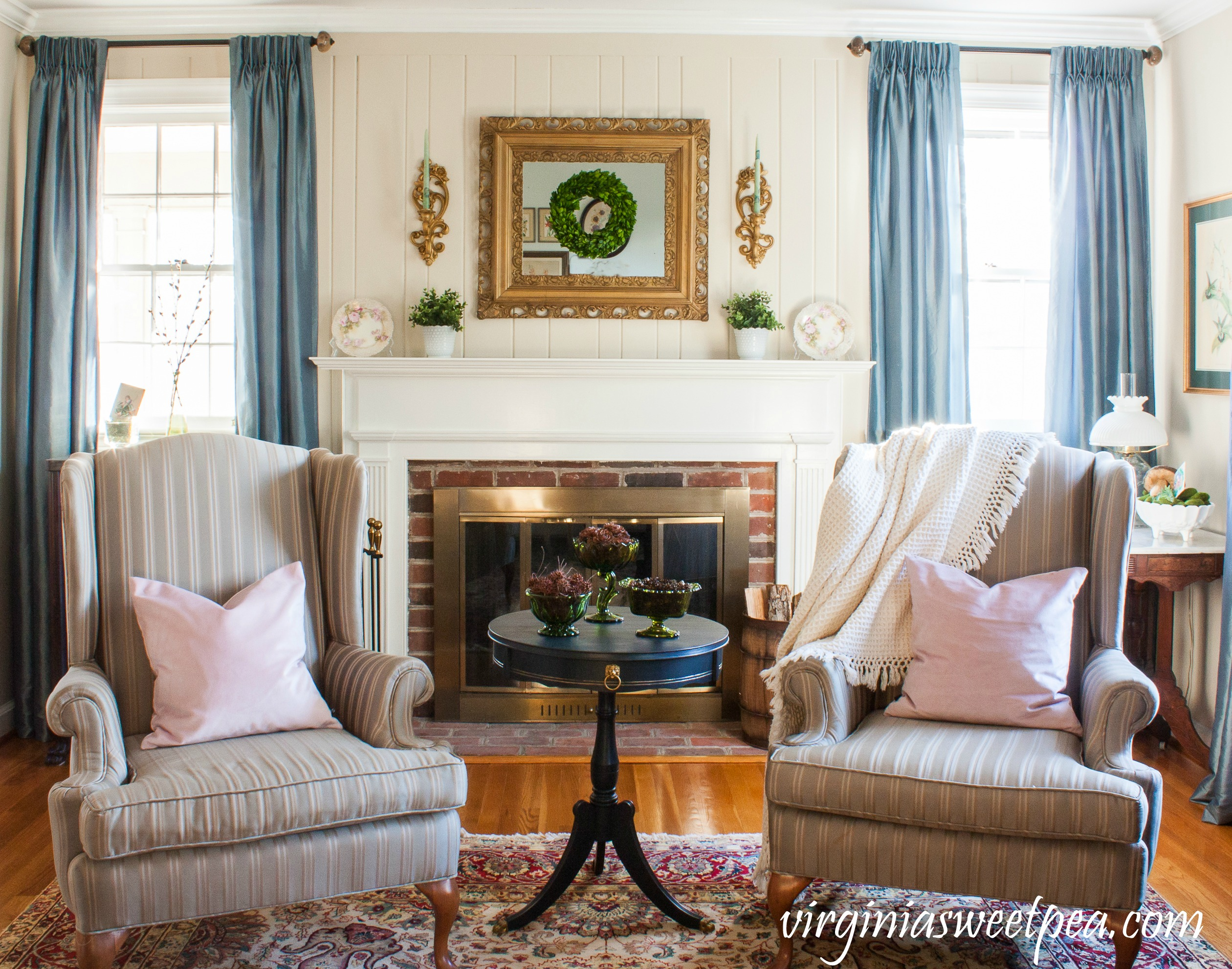Decorate for early spring and St. Patrick's Day using decor that is green and vintage. #vintagestpatricksday