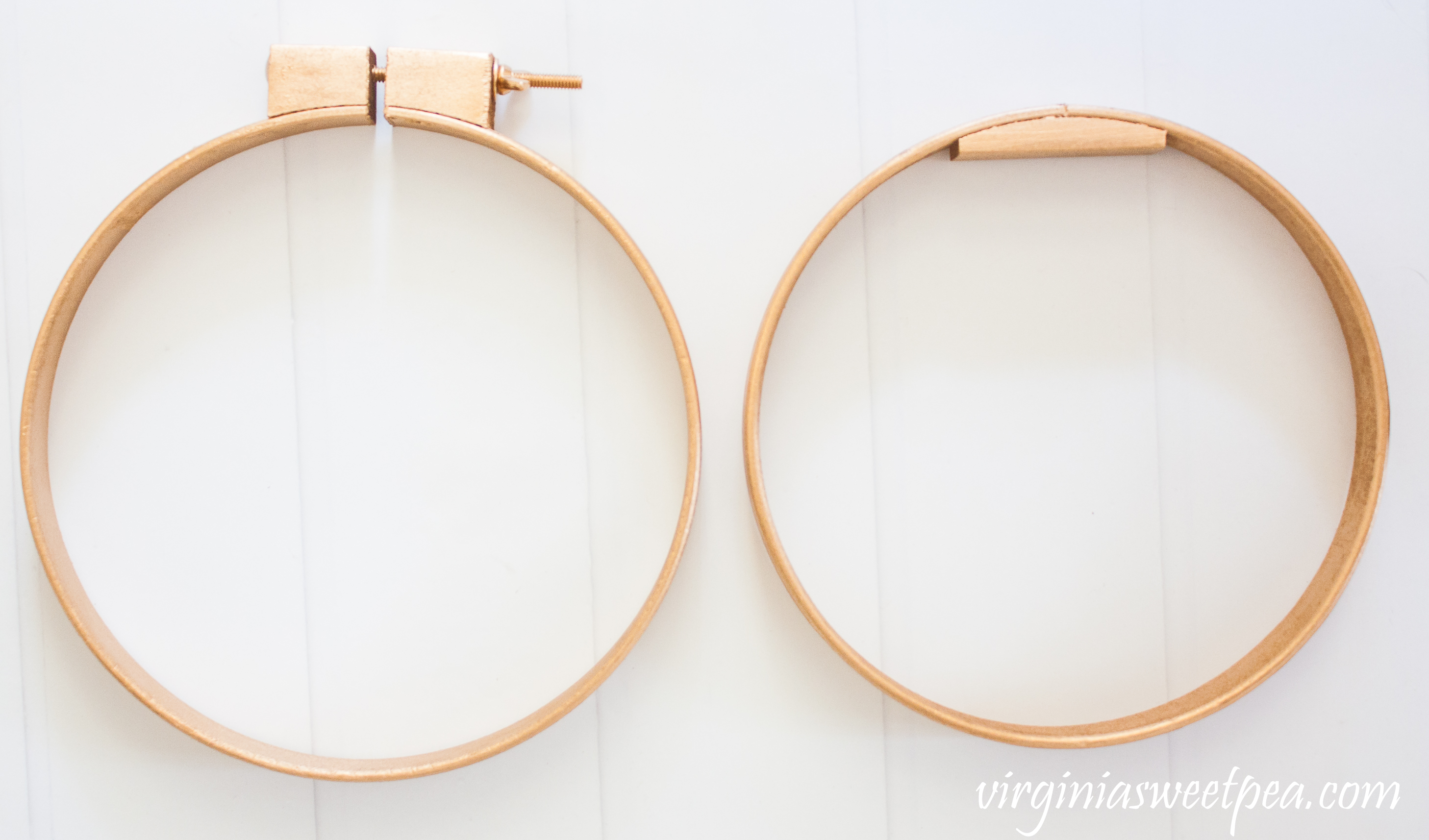 Embroidery hoops spray painted gold