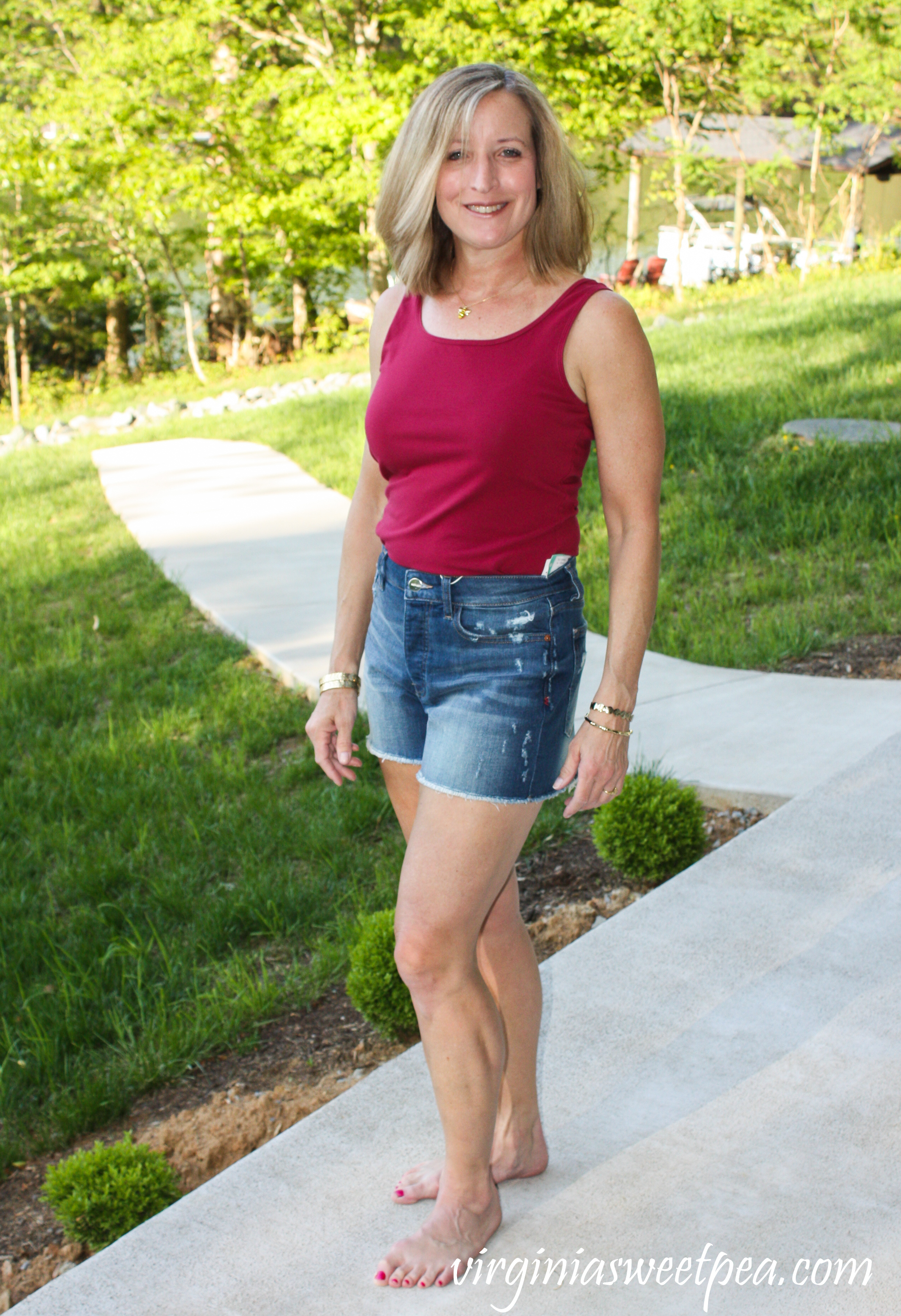 Stitch Fix Review for May 2019 - Warp + Weft Andie Distressed Frayed Hem Short #stitchfix #stitchfixreview #stitchfixsummer #stitchfixshorts