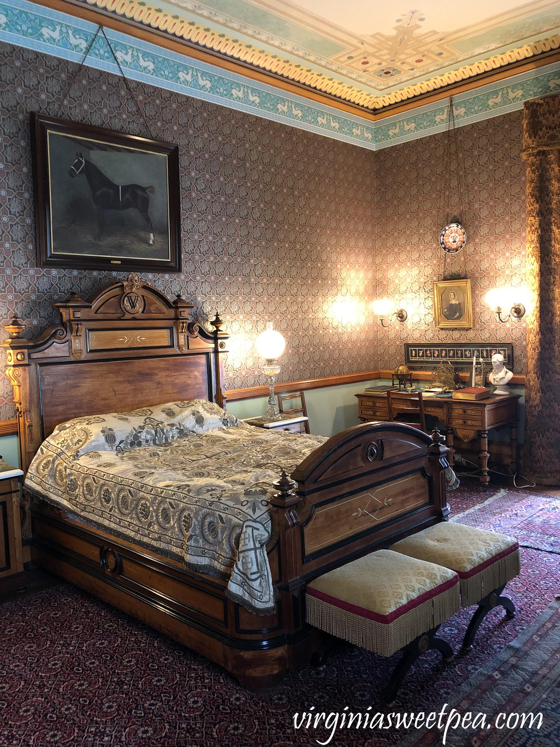 Tour Chateau-sur-Mer in Newport, RI