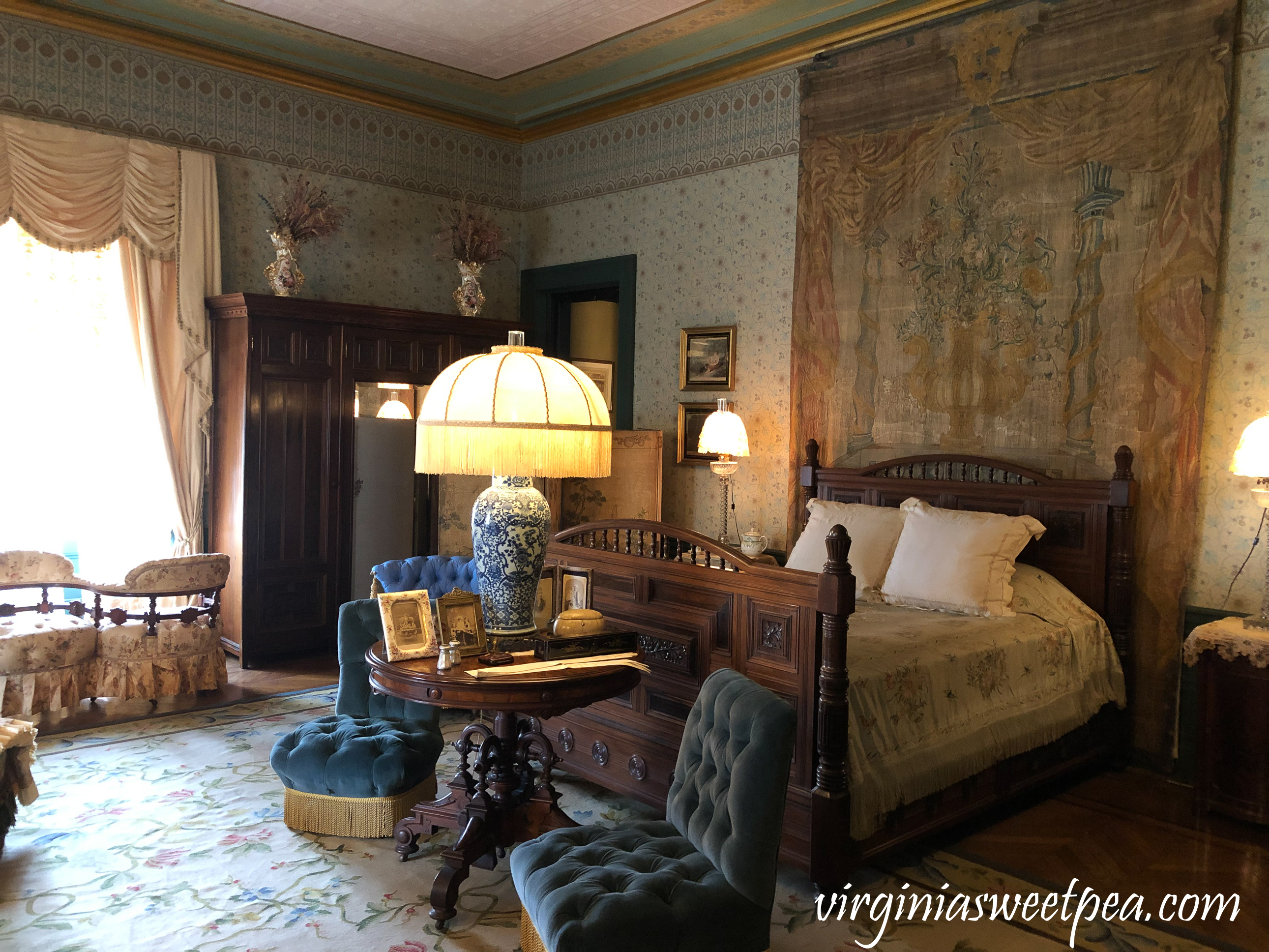 Bedroom at Chateau-sur-Mer in Newport, RI