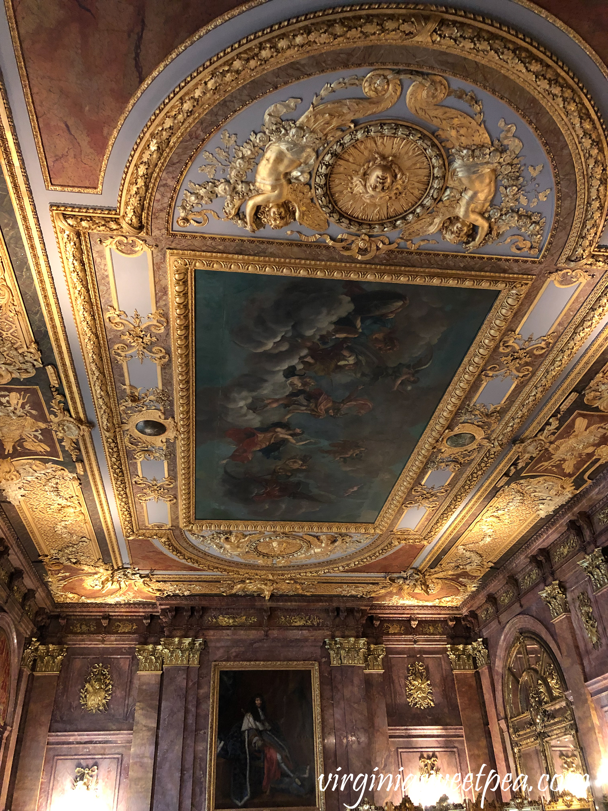 Dining room ceiling in Marble House