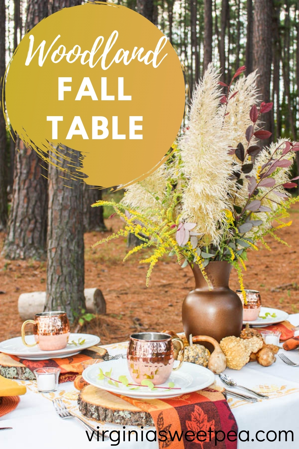 Woodland Fall Table - Get ideas to decorate a fall table with a woodland theme.  #falltable #falltableideas #falltablescape via @spaula