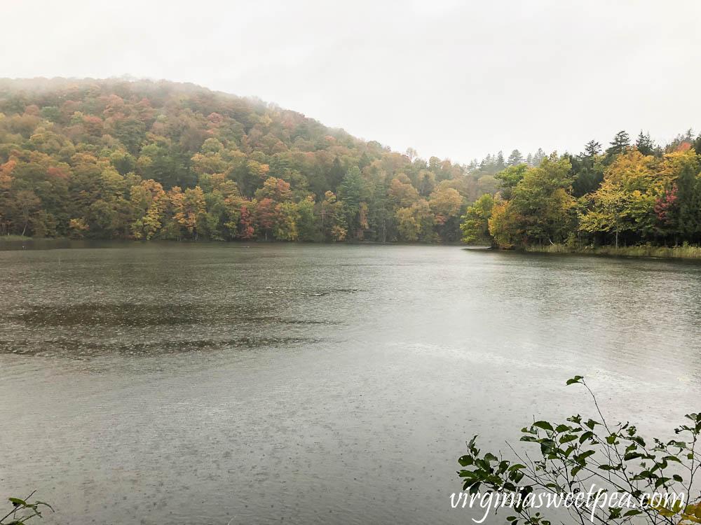 Rainy day hiking around The Pogue in Woodstock, Vermont