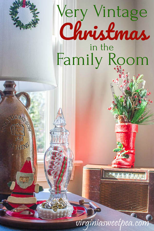 Very Merry Christmas in the Family Room - A family room is decorated for Christmas with vintage. #christmas #christmasdecorations #christmasdecor #vintagechristmas #vintagechristmasdeco