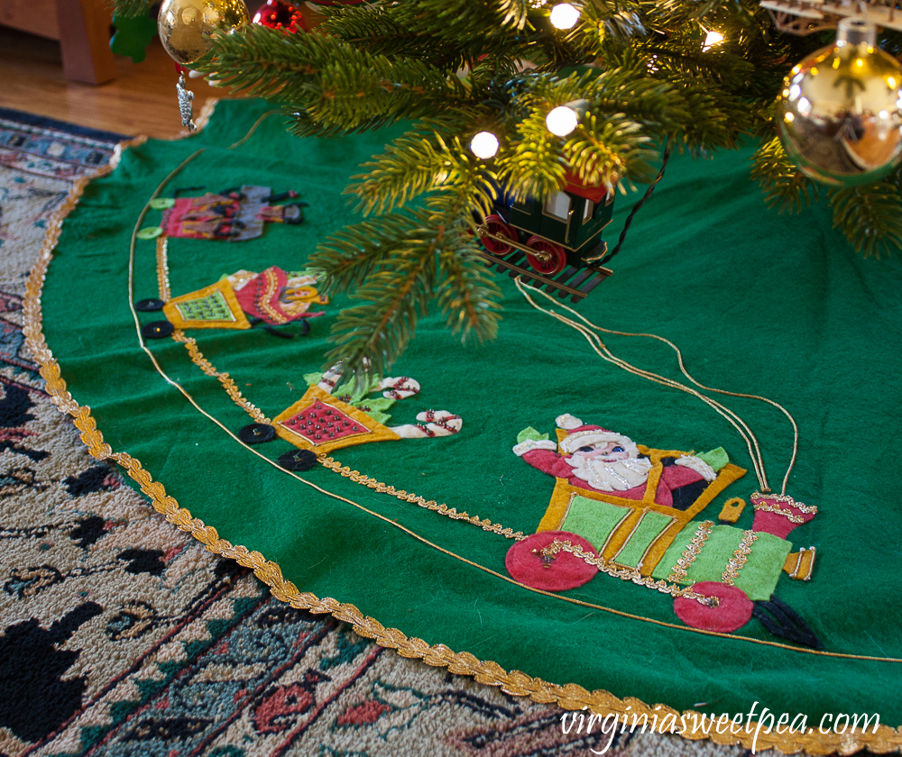 Santa Claus felt Christmas tree skirt made in the early 1970's