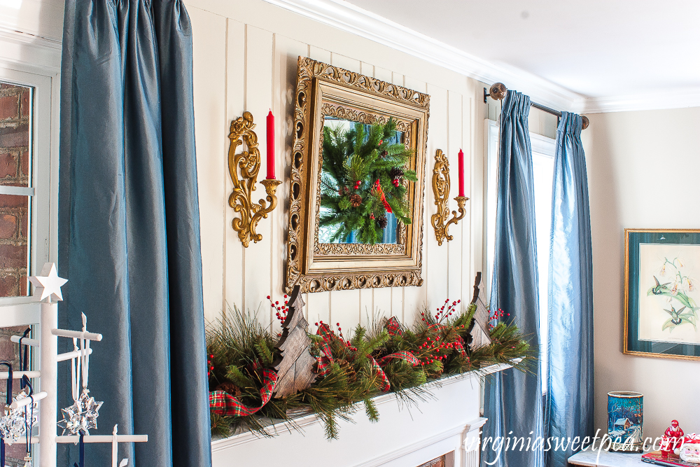 Warm and Rustic Christmas Mantel with Vintage Charm