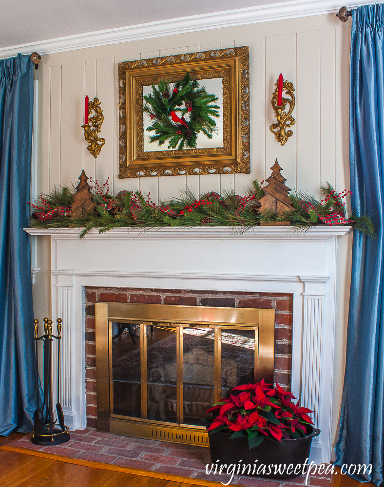 Warm and Rustic Christmas Mantel with Vintage Flair