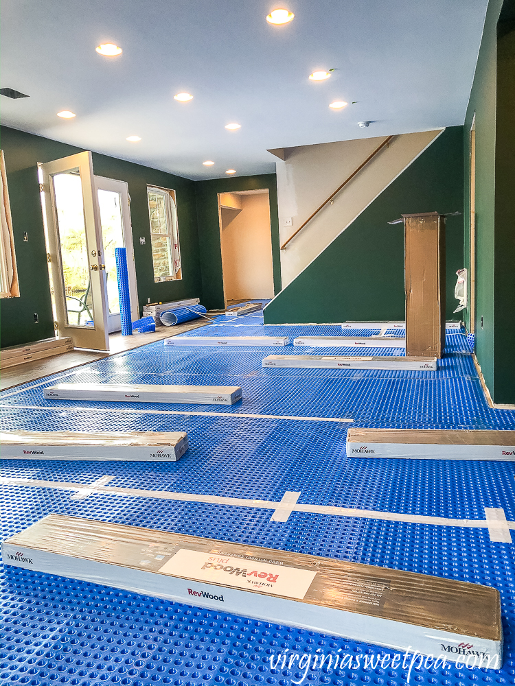 Installing Mohawk Crest Loft floor in Prairie Oak with DMX 1-Step Underlayment