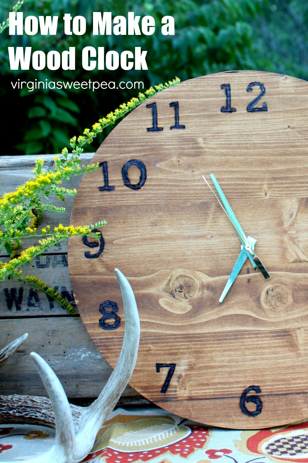 How to Make a Wood Clock - Learn how to make a clock out of wood with this step-by-step tutorial.  #woodclock #clocktutorial via @spaula