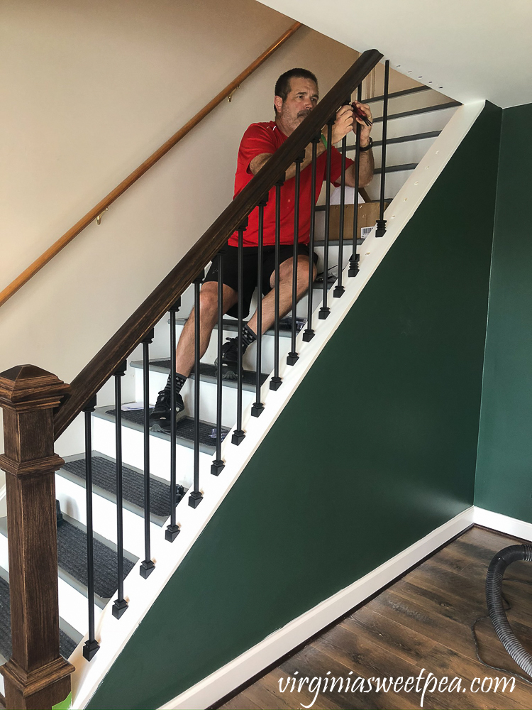 Installing metal balusters on a staircase
