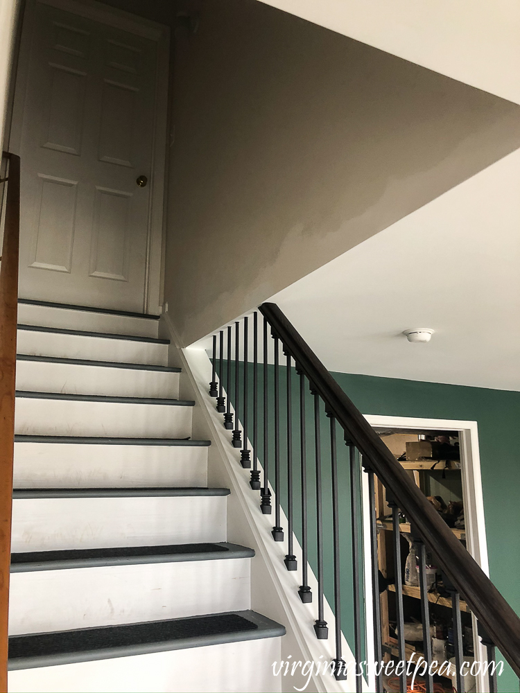 Installing metal ballusters on a staircase