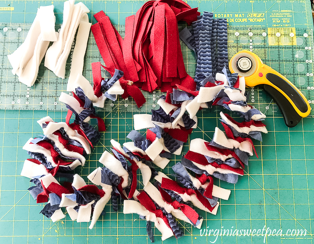 Steps to make a patriotic rag garland