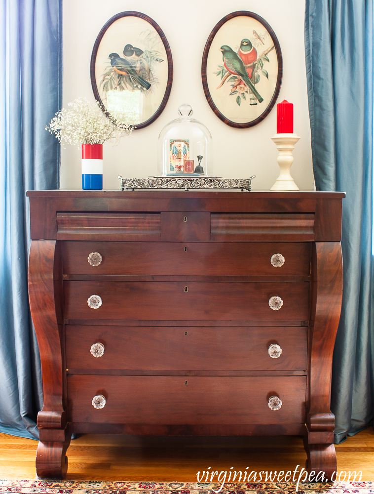 Patriotic Vignette on an antique chest.