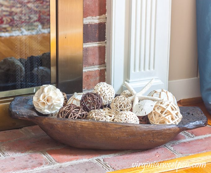 Dough bowl decorated with a coastal style