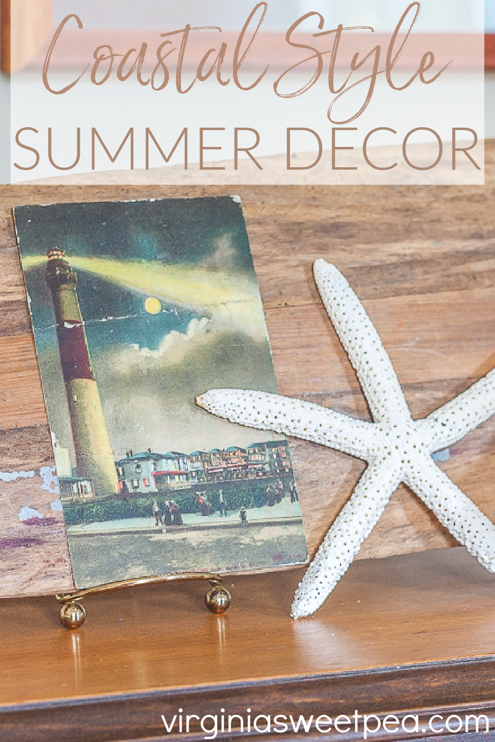 Coastal Style Summer Decor - Get ideas for decorating a home with coastal elements for summer. #coastaldecor #coastal #coastaldecorations via @spaula