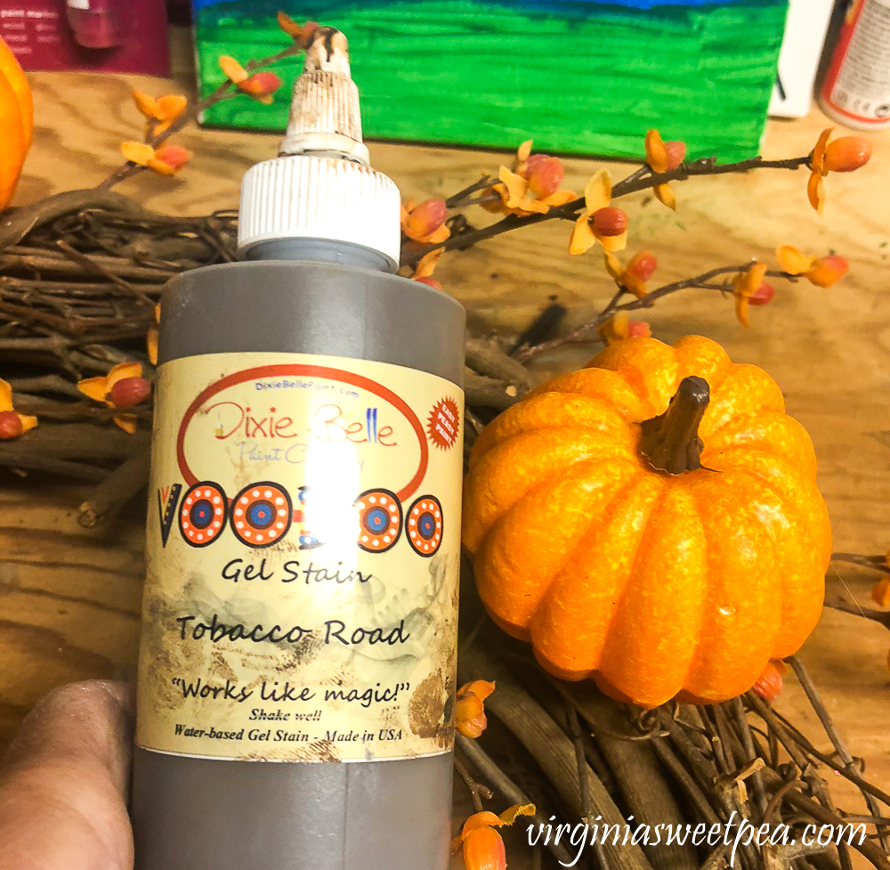 Using Dixie Belle VooDoo Gel Stain to stain a faux pumpkin
