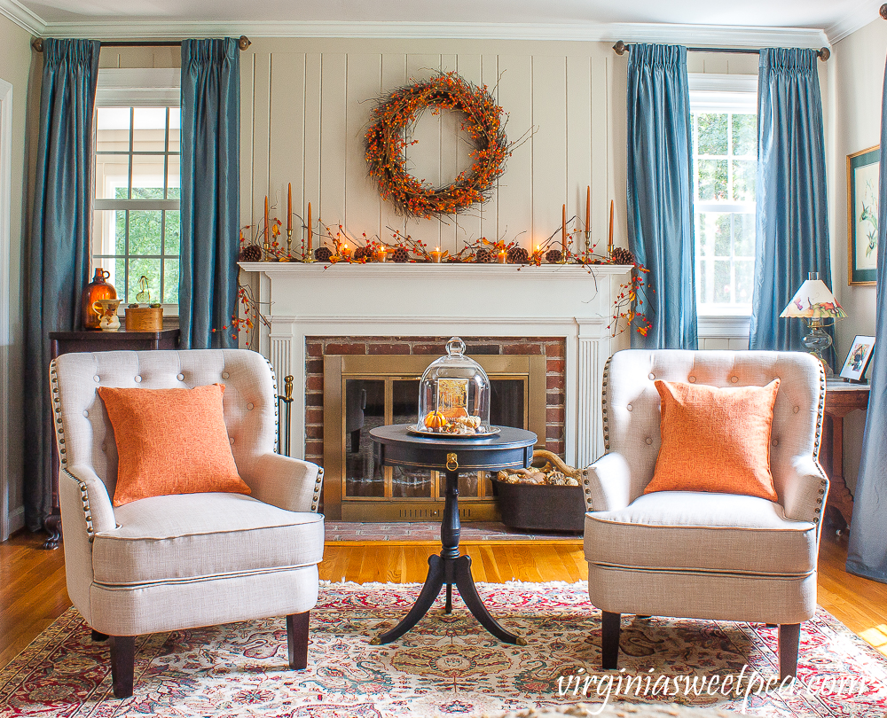 Living Room Decorated for fall