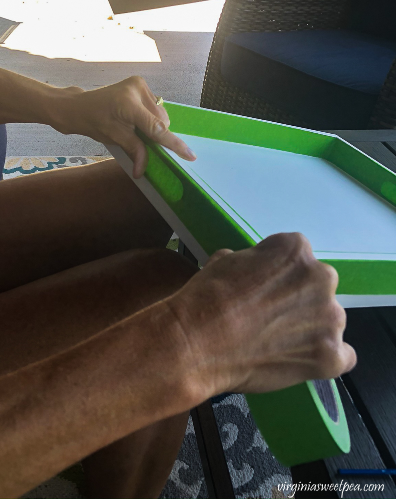 Taping a wooden tray with Frog Tape