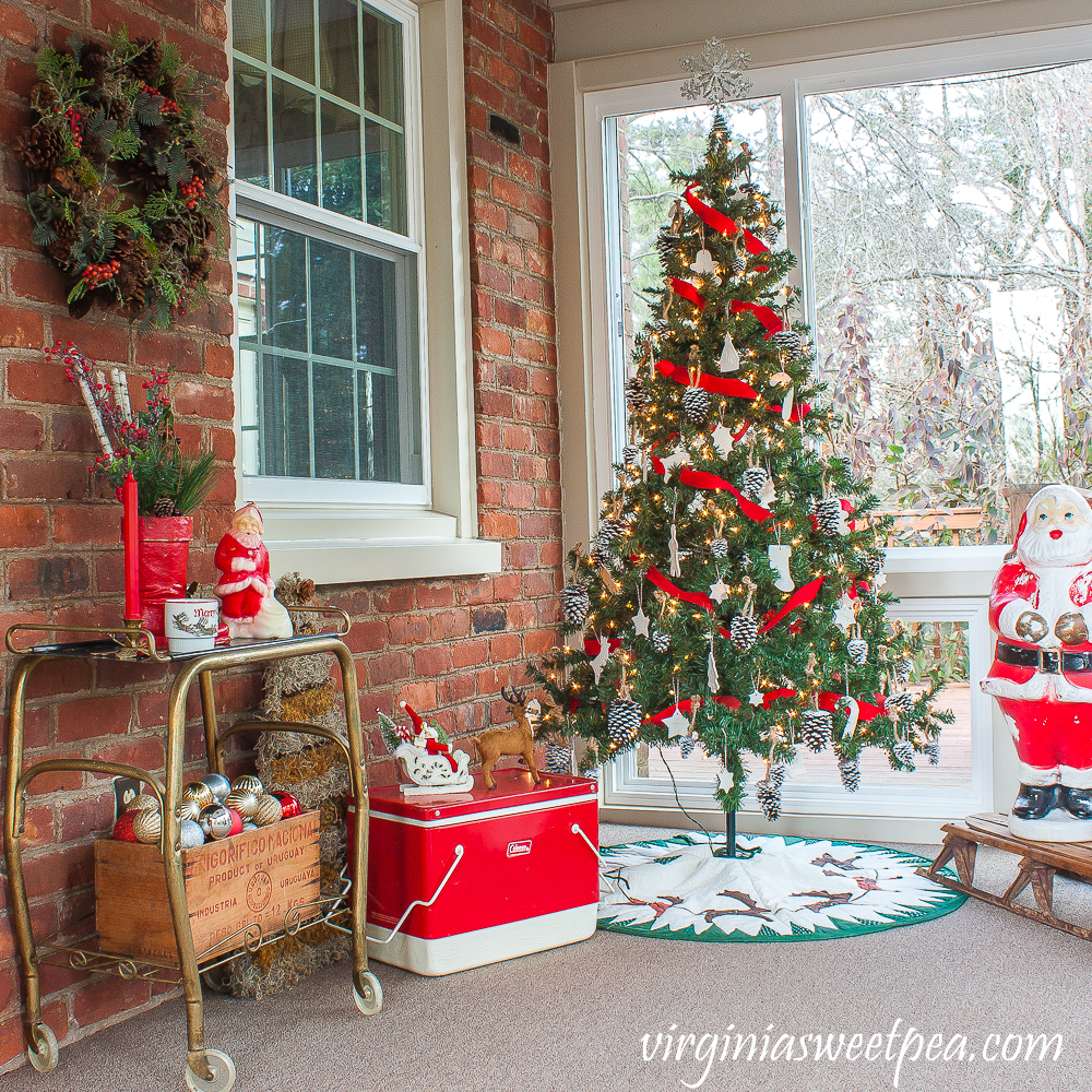Christmas Porch Decorations with a vintage Santa theme