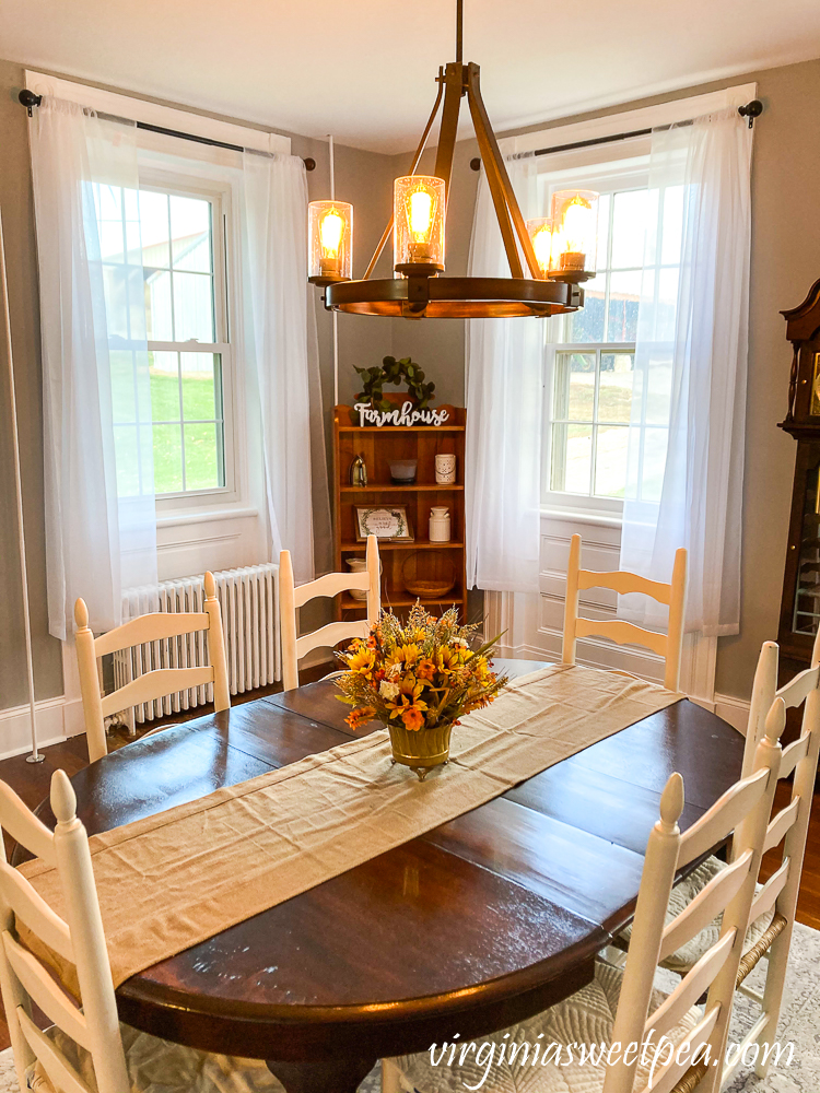 Dining room in an 1857 farmhouse in Middletown, Maryland