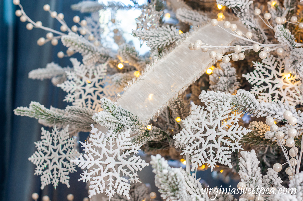 Snowflake Themed Christmas Tree
