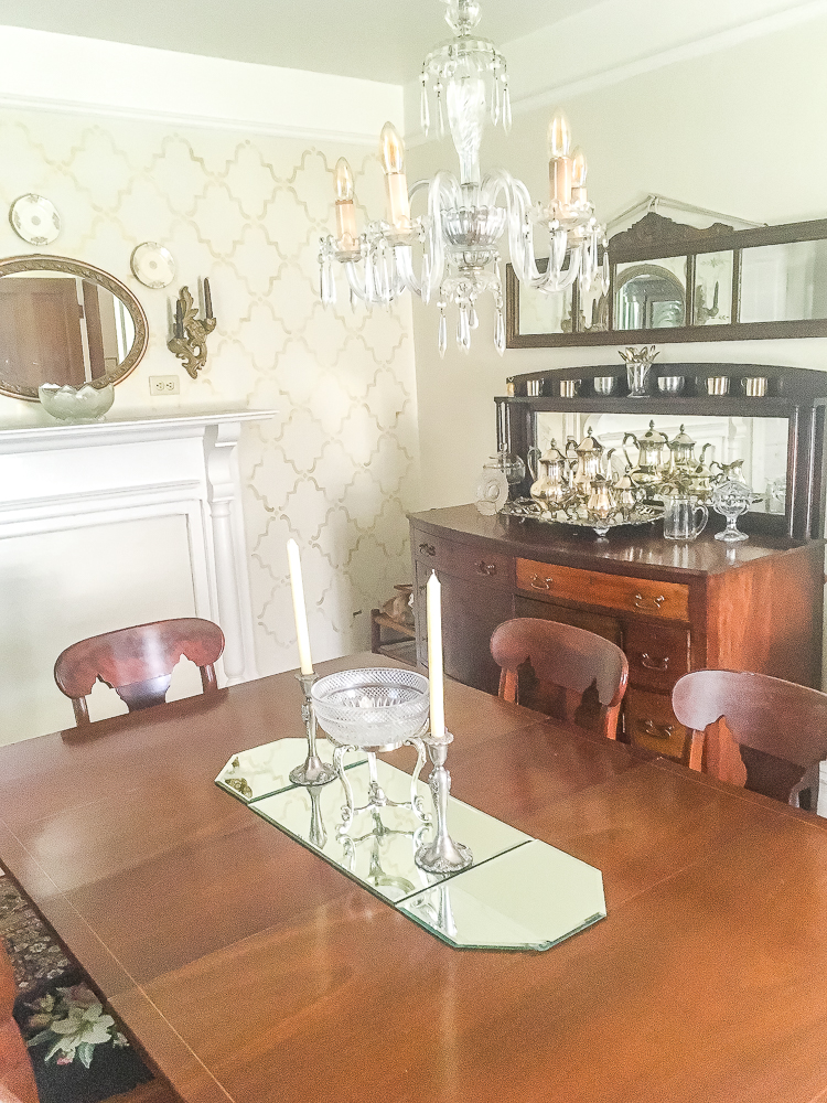 1912 dining room furnished with inherited antiques.