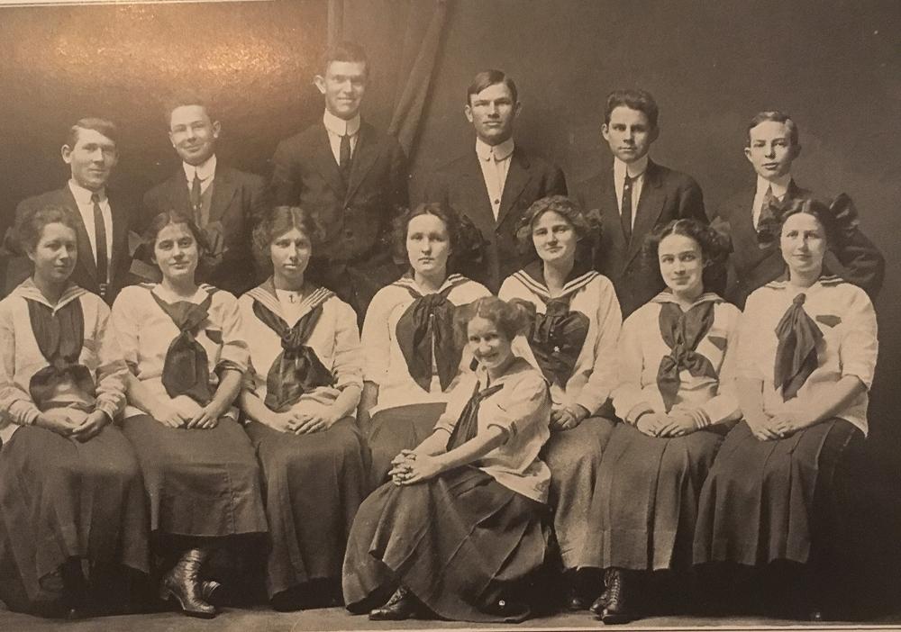 Waynesboro High School Sophmore Class 1911