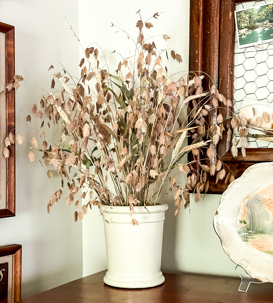 River oats and wheat fall floral design