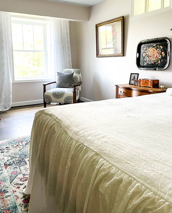 Lake house guest room decor